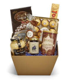 gourmet gift basket with apples, fruit, jams and jelly