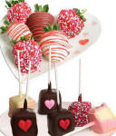 Valentines Day Cheescake Pops and Chocolate Covered Strawberries